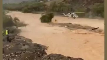 Saved from flood by hélicopter in Aman